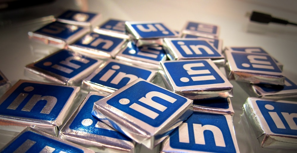 "A Finance Marketing ""Shortcut"": Should You Blast Your LinkedIn connections?"